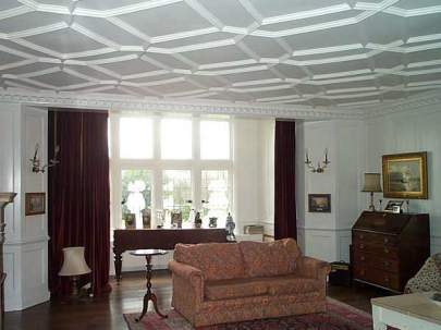 Period Property : Plaster Ceilings and Panelled Walls - Domestic Decorating